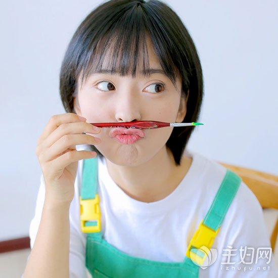 女生韩式齐耳短发,短发越短越酷越时尚