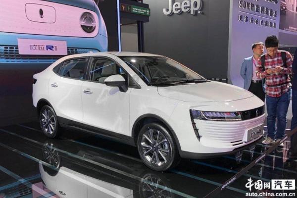 国际车企发力新能源市场 自主品牌竞争愈发激烈