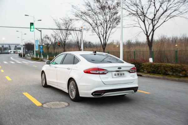 加速在华智能网联战略 福特首款C-V2X车型202...