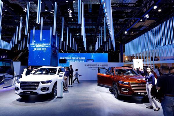 """国产SUV""""销量王""""哈弗H6发布新款车型 小度车载..."""