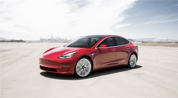 国产特斯拉Model 3开放预订 售32.8万元