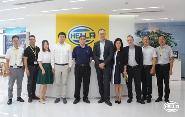 海拉携手星云互联打造智能网联汽车解决方案