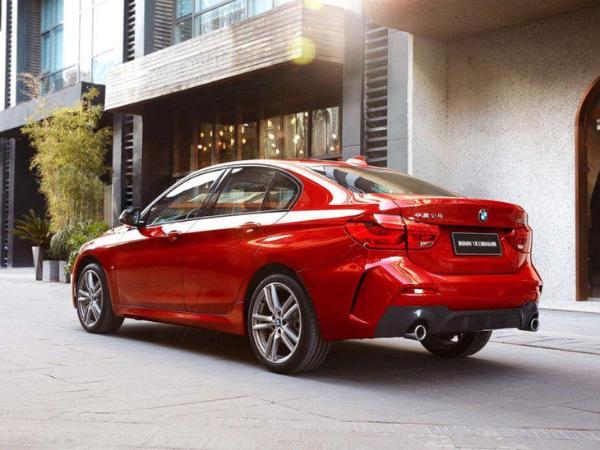 新款宝马1系三厢正式上市 售19.88-26.38万元 配置更丰富