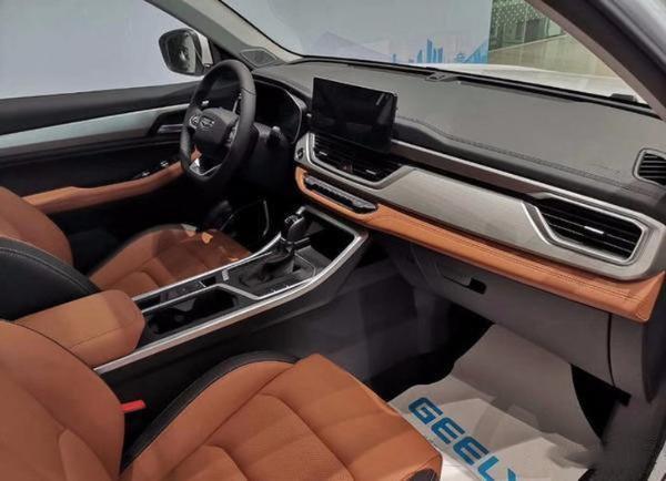 吉利新款远景SUV实车到店 外观和内饰均升级/竞争哈弗H6