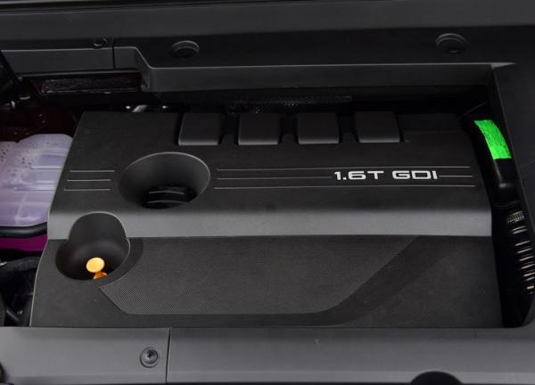 星途-VX最新谍照曝光 轴距超荣威RX8/内饰采用双联屏设计