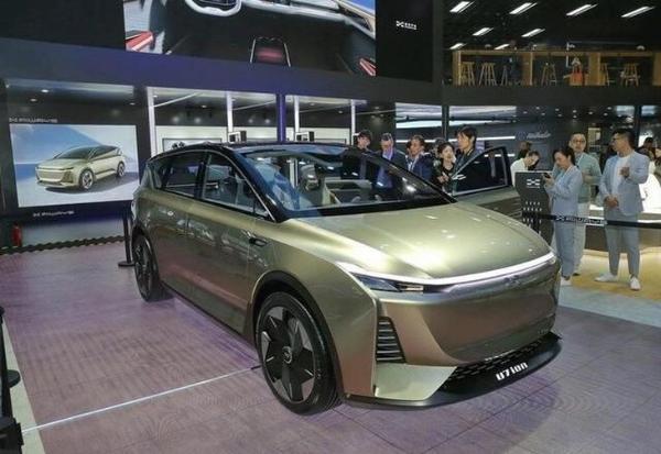 又一款轿跑SUV来袭,全新爱驰U6有望在2020年北京车展亮相