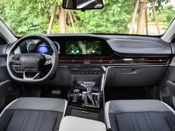 新宝骏RC-6/RS-5将于今年3月上市 搭载最新车机互联系统