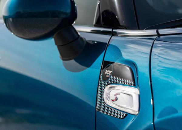 MINI SIDEWALK特别版敞篷车型官图 2020年3月全球发售