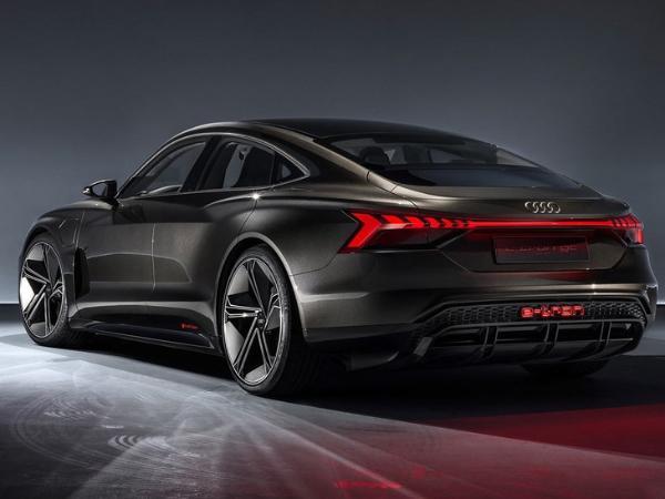奥迪e-tron GT将推RS版本 有望洛杉矶车展亮相