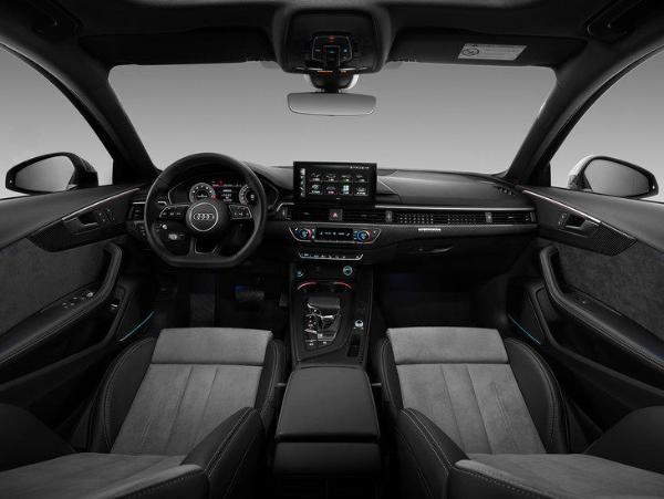 新款奥迪A4L正式上市 40 TFSI quattro 豪华动感/致雅型最值