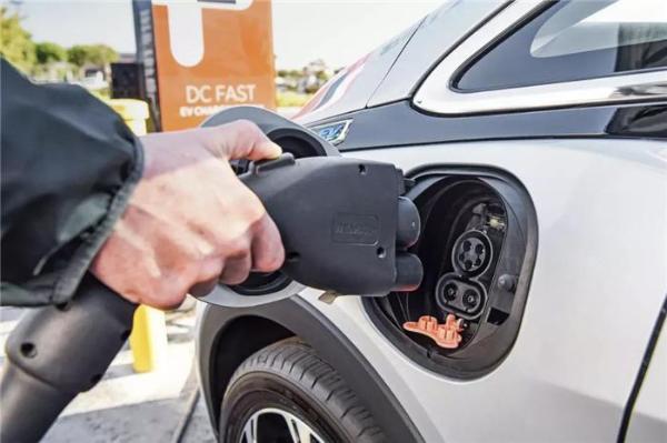 自动驾驶和电动汽车最需要攻克的,不是技术
