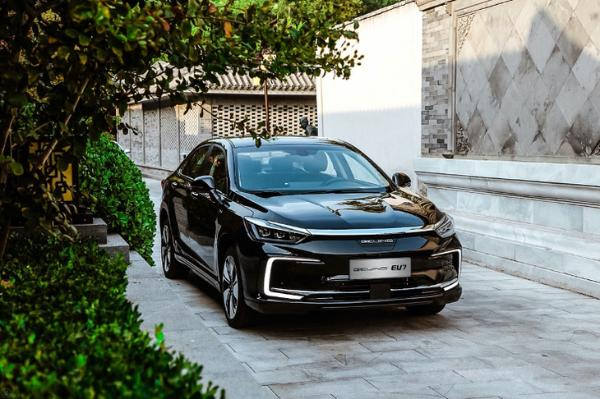 BEIJING-X7预售10万起 BEIJING品牌正式定名BEIJING汽车