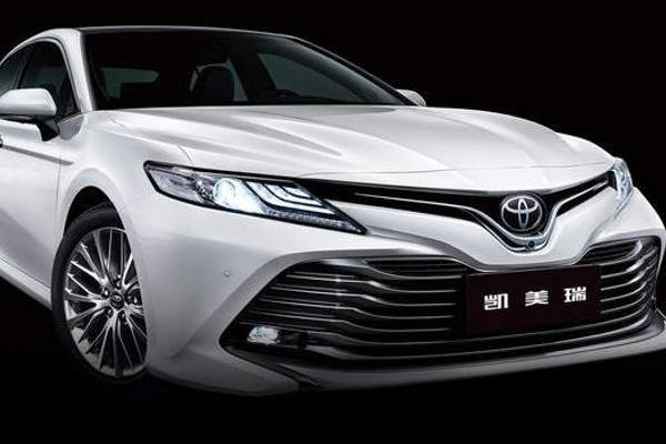 新款丰田凯美瑞上市 售价17.98万元起/配置调整