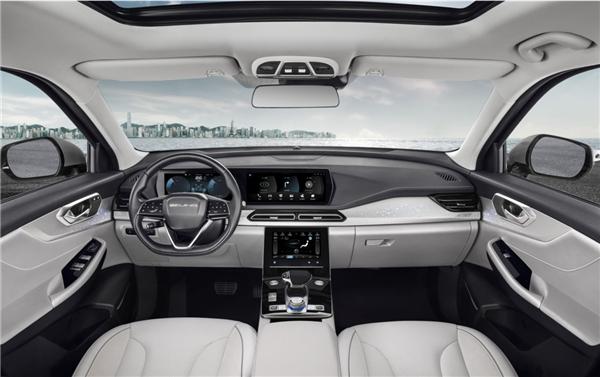 BEIJING汽车首款插混车型BEIJING-X7 PHEV亮相北京车展