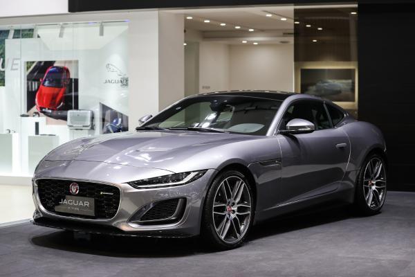 全新路虎卫士110车型领衔 捷豹路虎多款重磅车型亮相2020上海浦东国际汽车展览会