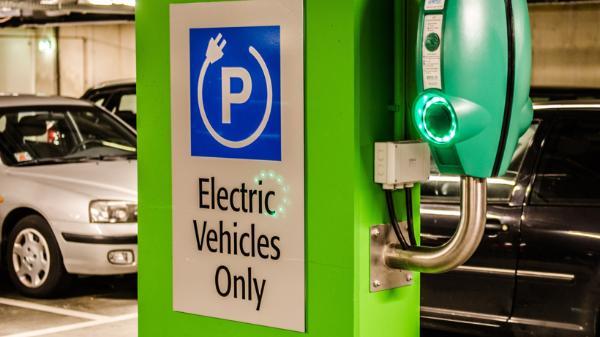 美国6家能源公司合作打造电动车充电网络