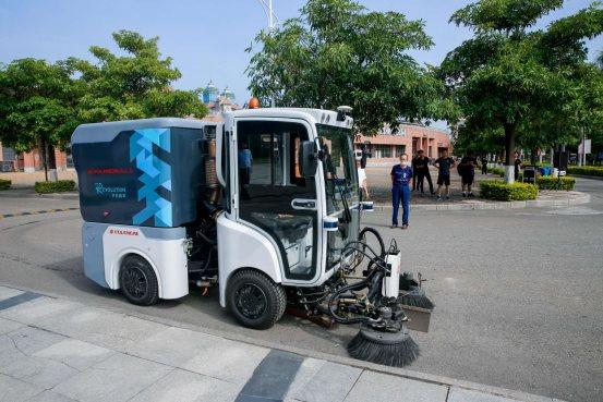 于万智驾与龙马环卫签署战略合作,无人驾驶赋能智慧环卫新格局