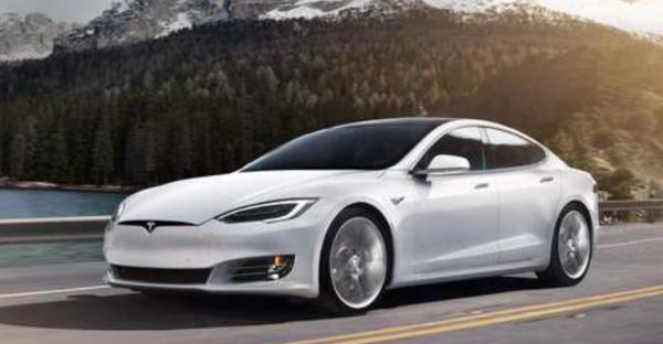 特斯拉Model S两款车型售价下调2.3万 调整后售73.39万起