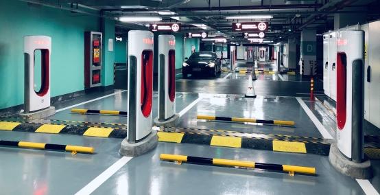 特斯拉全球最大72桩超级充电站今日上线 中国大陆5000桩达成!