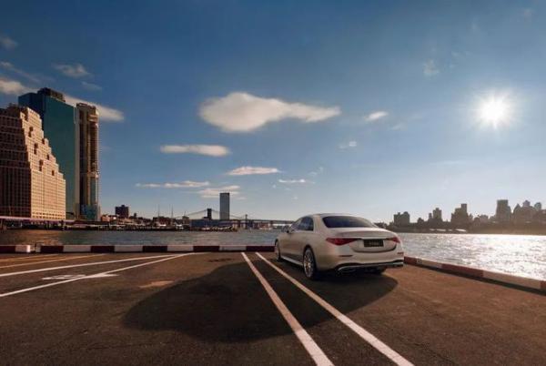 全新奔驰S级正式上市 售价89.98万起