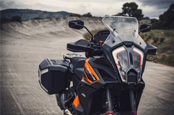 新款大野驴 KTM 1290 Super Adventure S发布