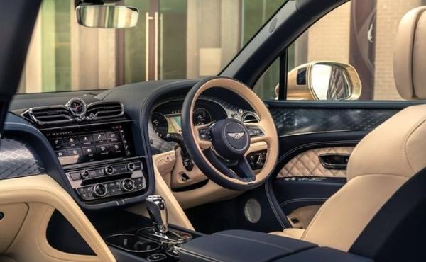 宾利添越PHEV发布 售238.5万元/量产最贵混动车型