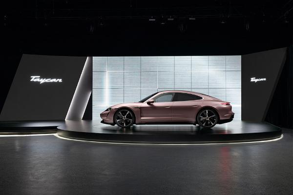 保时捷发布入门版Taycan电动汽车 7.99万美元起售