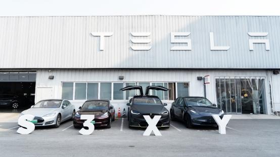 特意到家 送车上门 特斯拉中国制造Model Y在北京开始交付