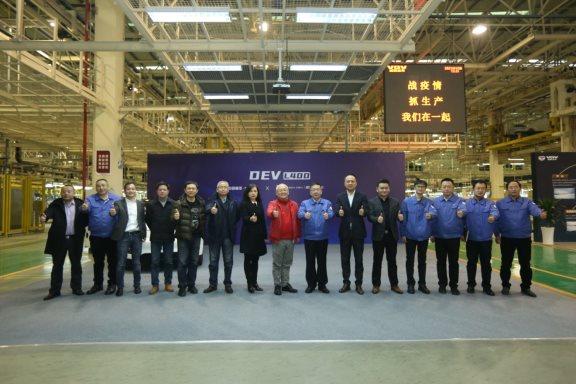 新特汽车与中国重汽签署战略合作 全新DEV系列产品将二季度上市