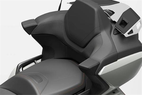 本田发布2021款金翼,售价23,900美元起