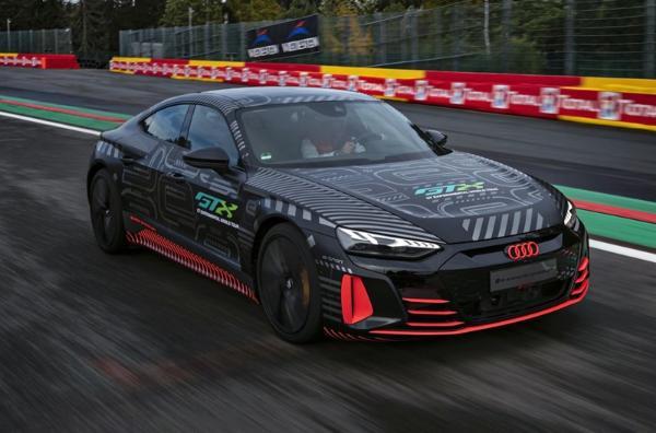 与Taycan共平台 奥迪RS e-tron GT原型车亮相CES 2021