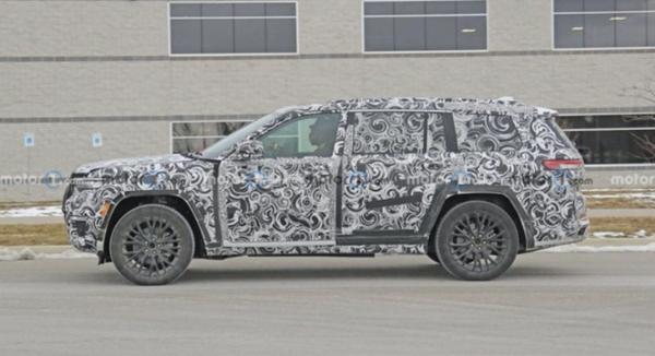 全新Jeep大切诺基7座版车型路试谍照曝光 将于年内发布