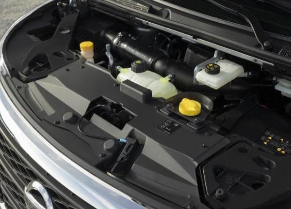 新款日产NV300官图发布 内饰全新设计/搭2.0T发动机