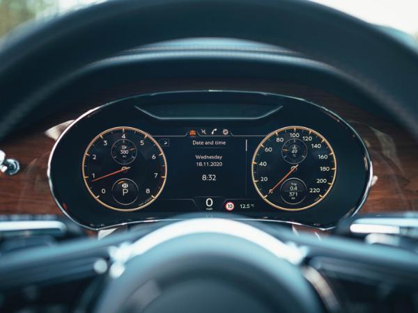 宾利飞驰V8车型国内售价公布 售价251.8万元