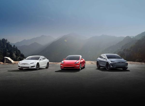2020年 全球电动汽车销量连续三届冠军打破300万辆特斯拉Model 3