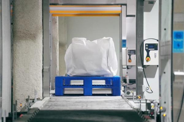 蜂巢能源无钴正极材料批量下线,首批无钴电池将于6月量产