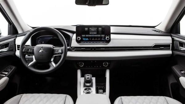 全新三菱欧蓝德正式亮相 将于今年4月开售