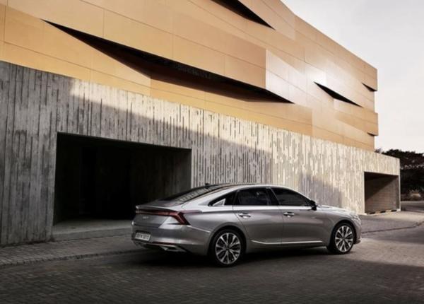 全新起亚K8轿车官图发布 将于今年内正式上市