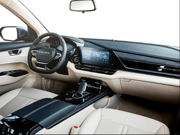 五菱凯捷或推混动版车型 搭载2.0L发动机 售14万元起