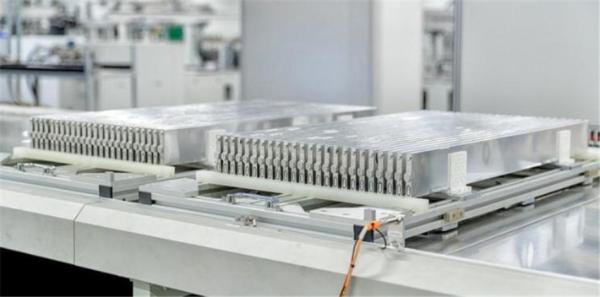 为现代汽车提供刀片电池,预计明年开始向海外供货