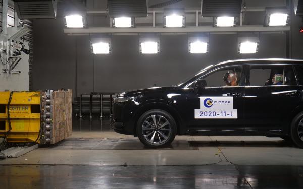 理想ONE获得C-NCAP五星级评价 连续获得三家机构大型SUV最高安全认证