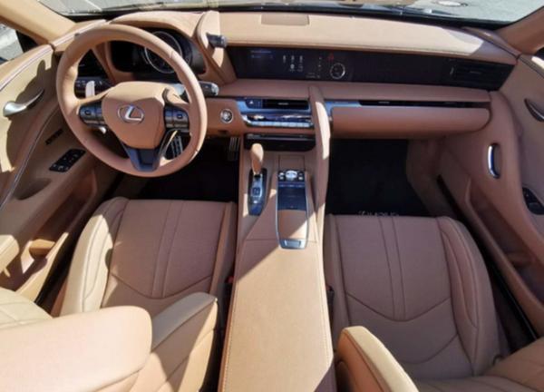雷克萨斯LC 500软顶敞篷版车型实拍图曝光 搭5.0L V8发动机