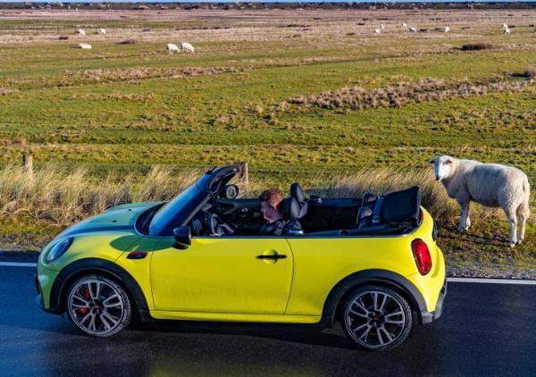 新款MINI JCW敞篷版官图发布 增加车身颜色选装 4月内上市