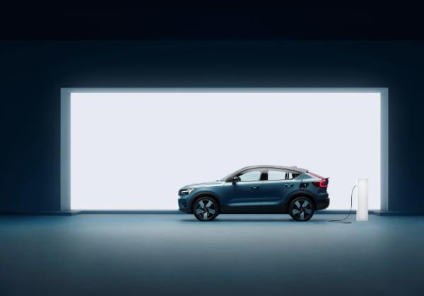 沃尔沃发布C40充电电动SUV 续航里程420公里