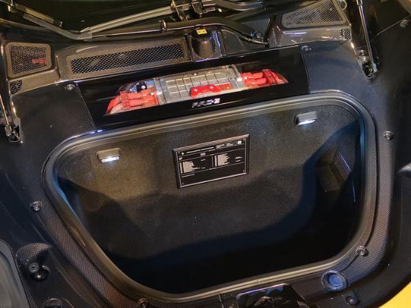 法拉利SF90 Spider国内首发 售价499.8万元起