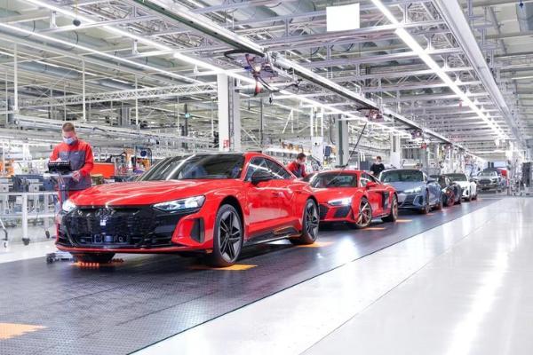 全新奥迪e-tron GT正式投产 它与R8共线 建立在J1平台上