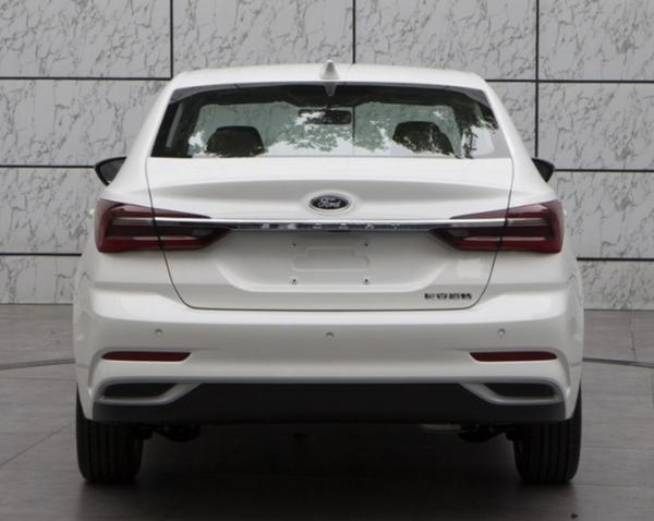 新款福特福睿斯将上海车展首发 外观设计大变样 搭1.5L发动机