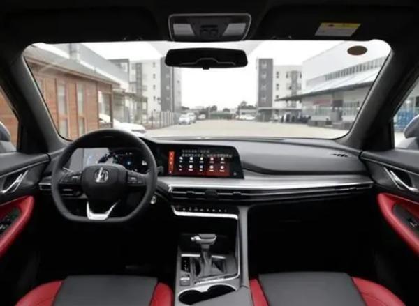 新款长安CS35 PLUS正式开启预售 价格区间为9.59-11.19万元