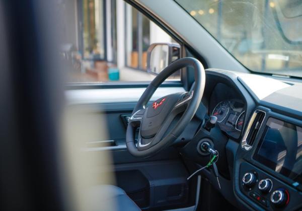 家用商用双结合 首款皮卡车型五菱征途即将上市