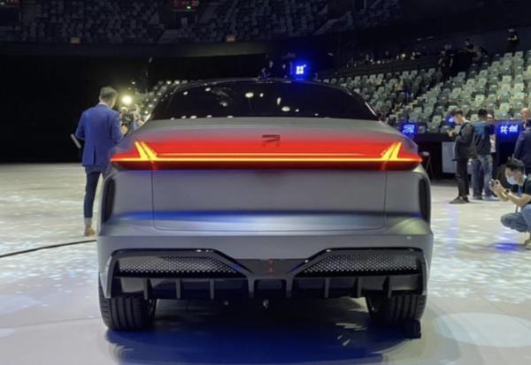 R汽车ES33发布 定位品牌旗舰车/明年下半年上市